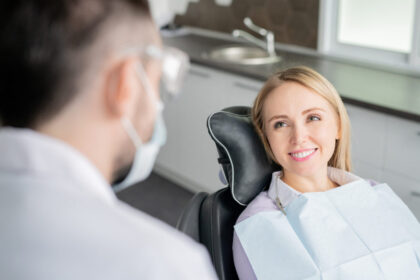 woman finding a dentist
